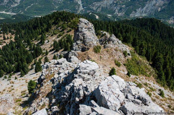 Η μικρή κόψη και ο βράχος